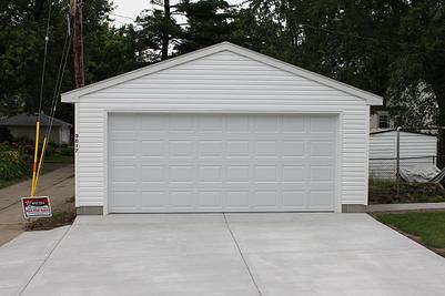 Minneapolis garage builders st paul detached garage for Automatic garage door company minneapolis