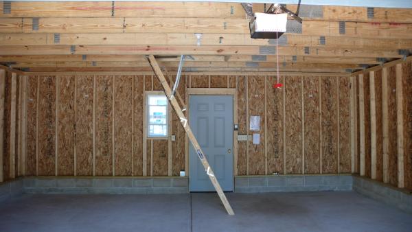 & Attic Truss Garage   Ladder v/s Staircase