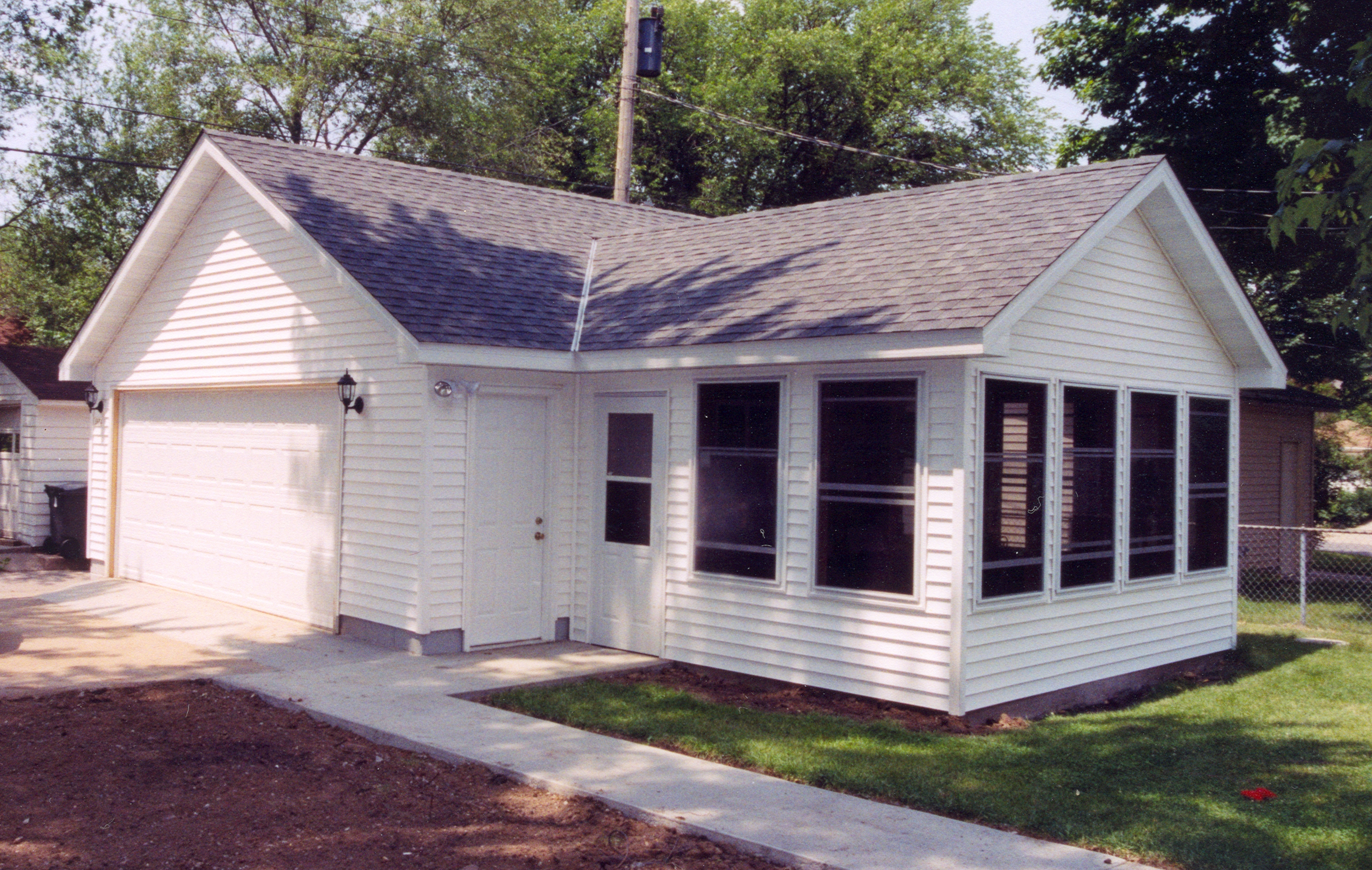 Detached mn garage and porch for Garage portico