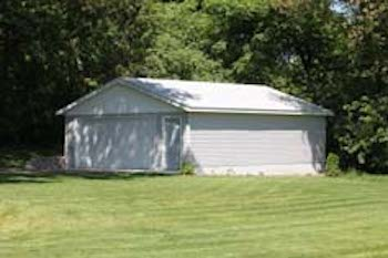Minnetonka MN backyard garage style