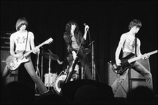 512px-Ramones_Toronto_1976